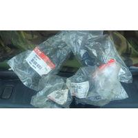 Комплект сайлентблоков передних рычагов Lexus RX300 II - 48655-87401(Daihatsu) таблетки и CTR CVT-4 конфетк