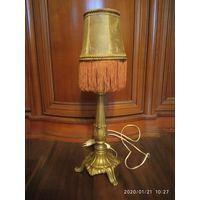 Старинная  настольная лампа. Бронза, латунь. Абажур кожа. Франция.