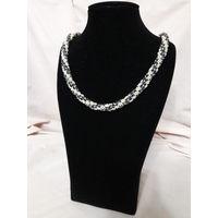 Ожерелье без названия
