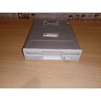 """Флоппи дисковод SFD-321B. FDD внутренний, 3.5"""" x 1"""". Рабочий."""