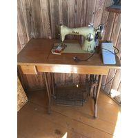 Швейная машинка Финляндия с электроприводом