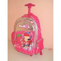 Рюкзак на колесах для девочки