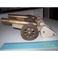 Пушки латунные точеные на платформах одним лотом