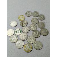 Монеты с повреждением