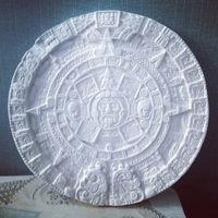 Панно, календарь майя, гипс, барельеф, картина, лепнина, интерьер, камин, ангел, лев, кирпич, золото, серебро, мебель,