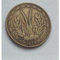 Западная Африка 25 франков, 1976 8-4-4