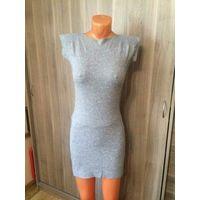 Стильное стройное платье на 40-44 размер, в красивые качественные стразы. Идеальное состояние, тончайший трикотаж. Длина 80 см, ПОгруди в нерастянутом состоянии 40 см (очень хорошо тянется).