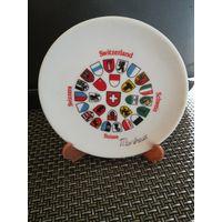 Тарелка сувенирная маленькая