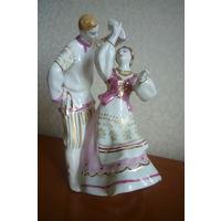 """Фарфоровая статуэтка """"Белорусский танец"""", Дулево."""