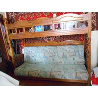 Двухъярусные диван и кровать из массива.