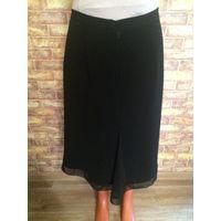 Классическая юбка на 48 размер с ажурным низом. Очень интересная и игривая модель. Длина 71 см, ПОталии 40 см. Обмен не интересует.