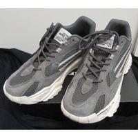 Кроссовки легкие, серо-белые на шнурках, 43 размер