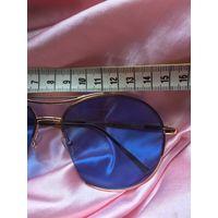 Светлые голубые очки-авиаторы от солнца и для создания образа