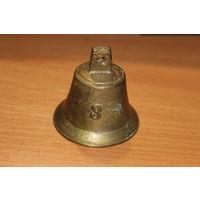 Бронзовый колокольчик номер 3, высота 6 см, диаметр 6 см.