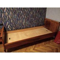 Две односпальные кровати, массив дерева. чешское качество