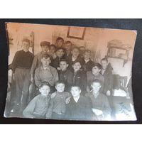 """Фото """"Выпускники школы"""", золотые прииски, г. Алдан, 1940 г., Якутия"""