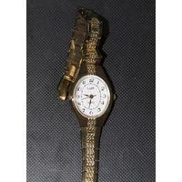 Женские кварцевые часы Луч  нитрид титановое покрытие