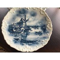 Настенная антикварная тарелка
