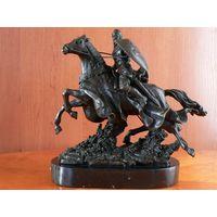 """Скульптура """"Рыцарь Короля Артура"""", Франция (На статуэтке клеймо-бренд """"European Bronze Marbles"""")"""