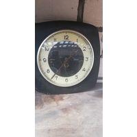 Аукцион с рубля. Часы настенные механические. СССР