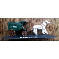 Повозка, карета с лошадьми для перевозки пива. Металл.
