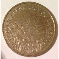 Камерун 100 франков, 7,00 г, 25,5 мм, никель, Краузе - KM# 15