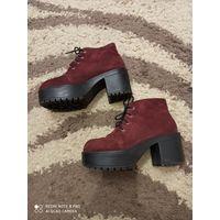 Ботильоны H&M, натуральная замша, цвет марсала, платформа, тракторная  подошва, толстый каблук.