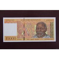 Мадагаскар 10000 франков 1995 UNC