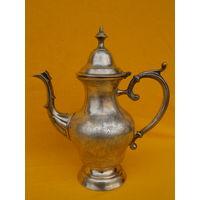 Оригинальный чайник, высота 26 см