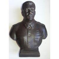 Бюст Сталина. Чугун. 50 е года.
