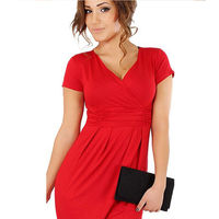 Платье с коротким рукавом красное размер 48-50