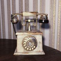 Телефон из оникса