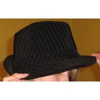 Шляпа стильная