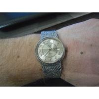 """Часы """"Луч с винтажным браслетом и знаком качества"""", кварц 2350 SU USSR"""