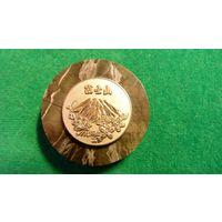 Памятный жетон Гора Фуджы в Японии в запайке