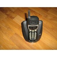 Мобильный телефон с базой для ремонта