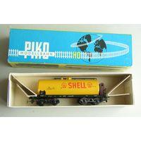 Цистерна SHELL 4-х осная с тормозной будкой  PIKO ПИКО Масштаб 1:87 HO производство 1970-х годов
