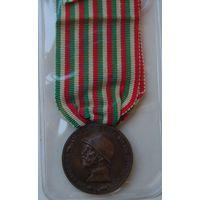 """Италия.Медаль """"В Память Войны 1914-1918 гг."""""""
