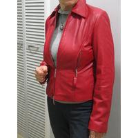Куртка красная, иск.кожа, женская. Р-р 38(европейский)