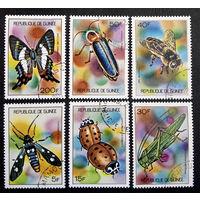 Гвинея 1973  г. Насекомые. Бабочки. Жуки. Пчелы. Фауна, полная серия из 6 марок #0123-Ф1P27