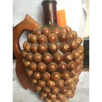 Бутылка для напитков  отделанная деревом