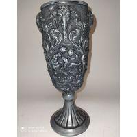 Старинная ваза,бокал . Европа. Металл.