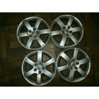 Комплект оригинальных литых дисков Nissan на 17 дюймов