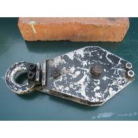 Подвесной  механизм  для  лебёдки-полностью рабочий,советское  качество.Размеры  см. по  кирпичу.