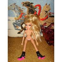 Кукла шарнирная MGA 2001  .