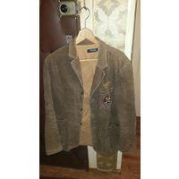 Мужской пиджак коричневого цвета.50 размер.Фирма UNIVERSITY