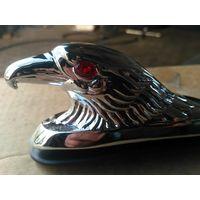 Хромированный орёл со светящимися глазами для мотоцикла
