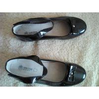 Туфли для девочки 33-34 р стелька 21.5 см