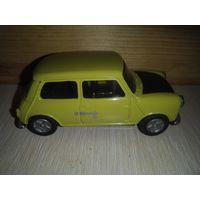 Модель автомобиля Мини. Corgi .1/43.