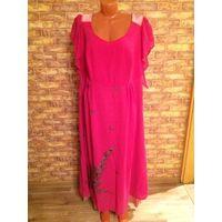 Платье розовое. Шито под заказ из индийской ткани с вышивкой. Размер 54 на хорошую грудь) Рукава скрывают полноту рук. Очень красиво смотрится. Ткань покупала в Индии, дорого. Обмен не интересует